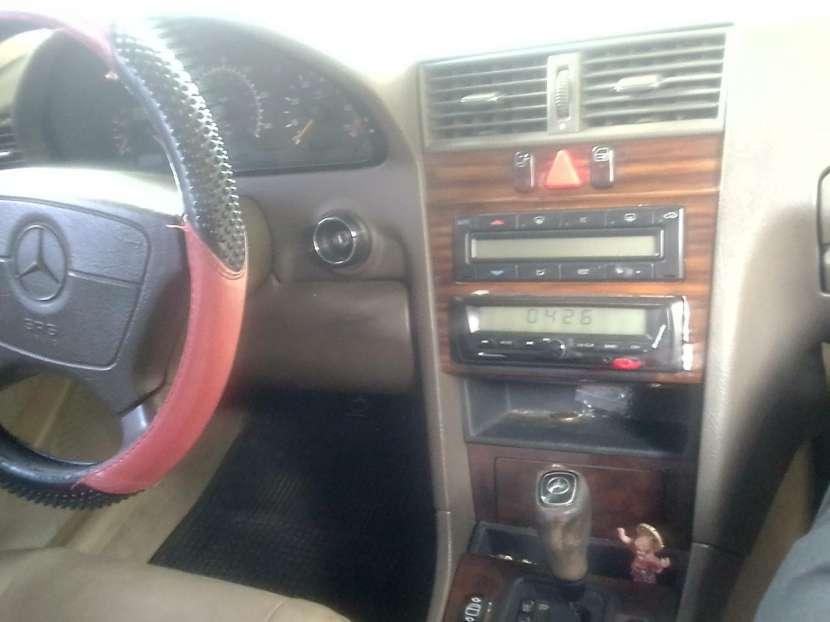 Mercedes Benz C230 - 1