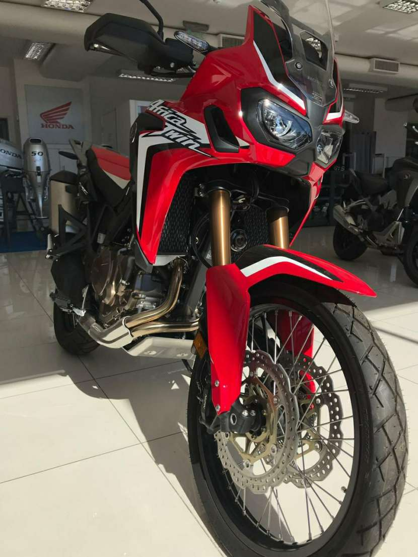 Moto CRF 1000 Africa Twin - 1