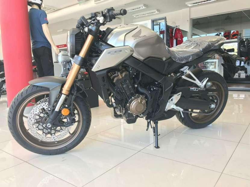 Moto Honda CB 650 R - 4