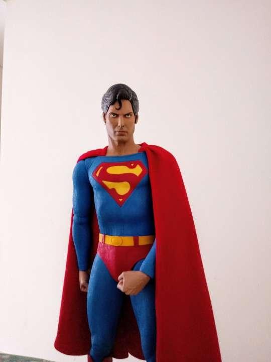 NECA Superman Escala 1/4 - 3
