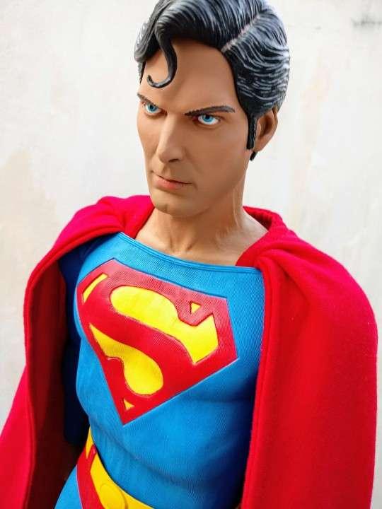 NECA Superman Escala 1/4 - 6