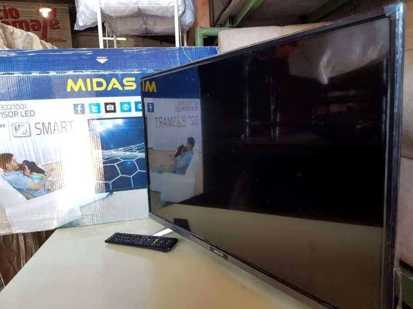 Smart TV de 32 pulgadas - 0