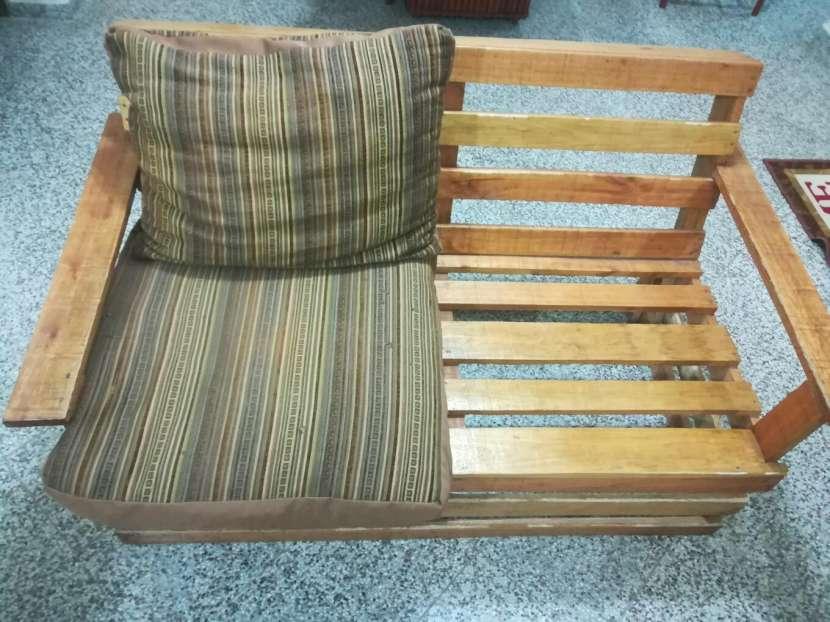 Sofá de madera para dos personas - 2