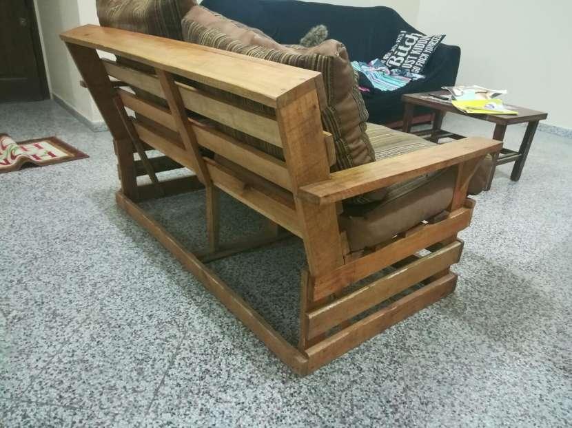 Sofá de madera para dos personas - 3