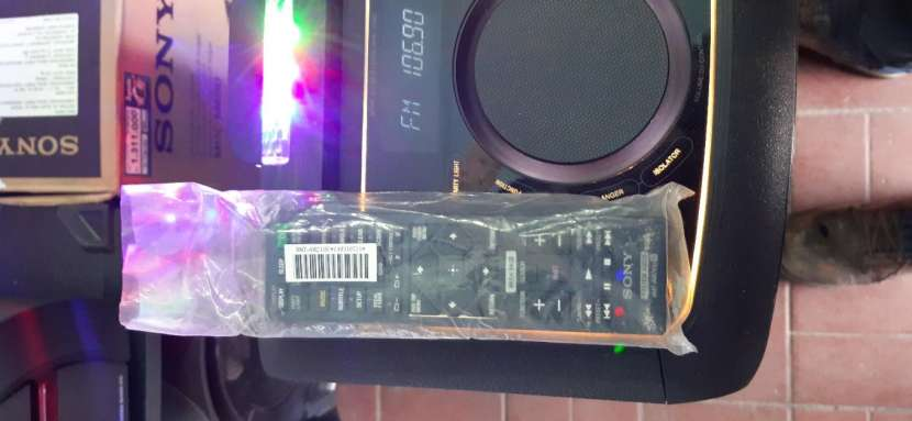 Equipo de sonido Sony - 2