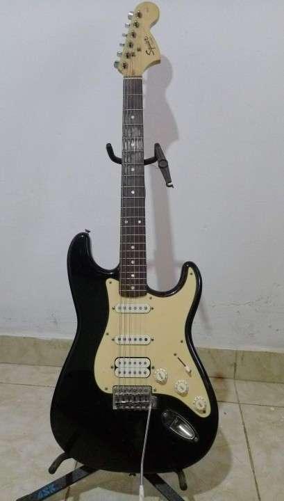 Guitarra Squier - Strat Affinity Series - 0