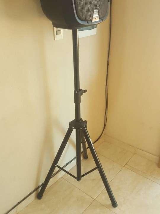 Trípode pedestal para parlantes - 0