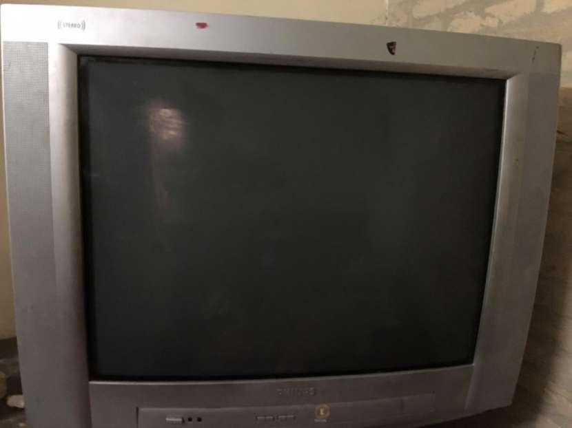 Televisor Philips de 29 pulgadas - 2