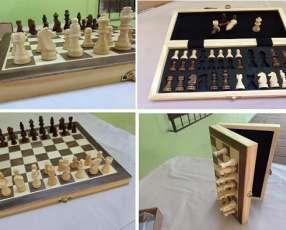 Juego de ajedrez magnético con tablero