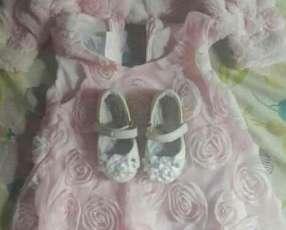 Vestido rosa con bolero y zapatito