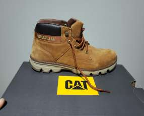 Bota Cat calce 41