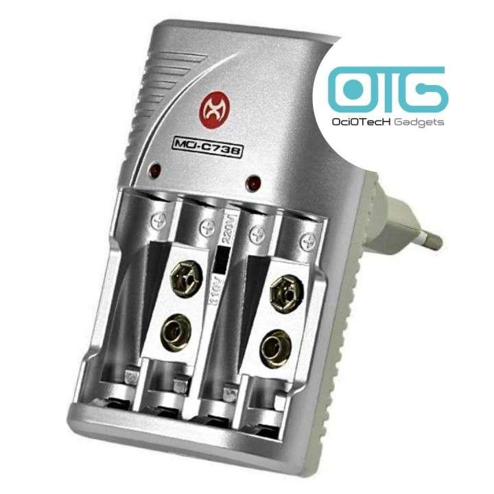 Cargador eléctrico de pilas + cuatro pilas recargables AAA - 0