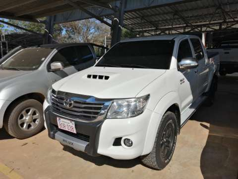 Toyota Hilux 4x4 mec 2014 toyotoshi - 0