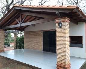 Casa en Areguá Barrio Cerrado