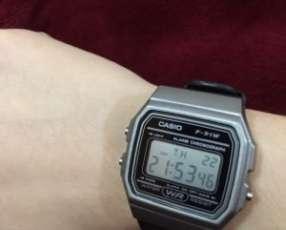 Reloj Digital Casio Unisex