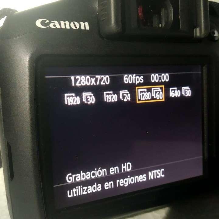 Cámara T6 -1300D reflex - 1