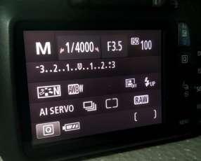 Cámara T6 -1300D reflex
