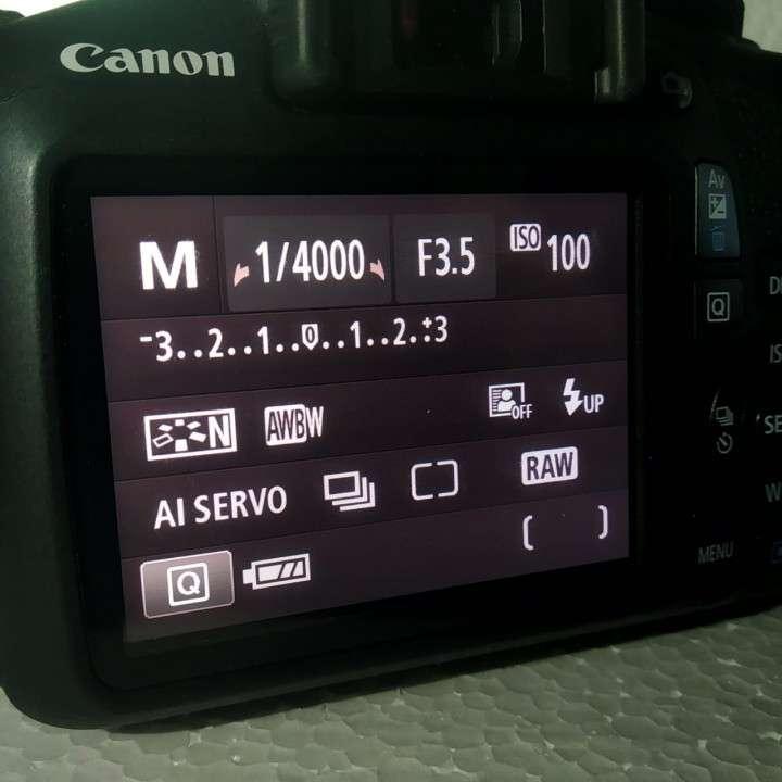 Cámara T6 -1300D reflex - 0