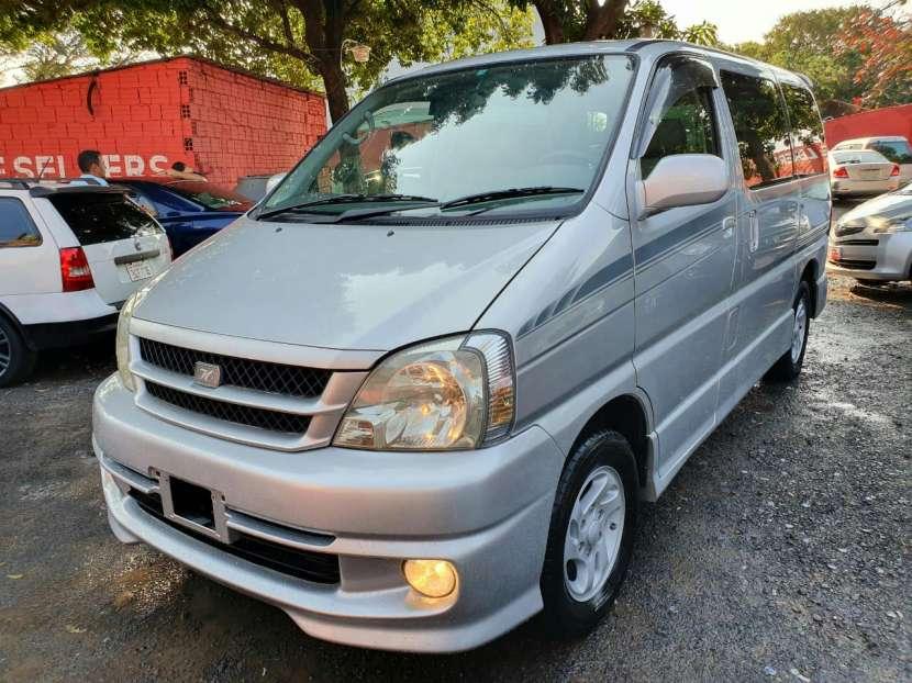 Toyota Hiace Touring 2000 - 1