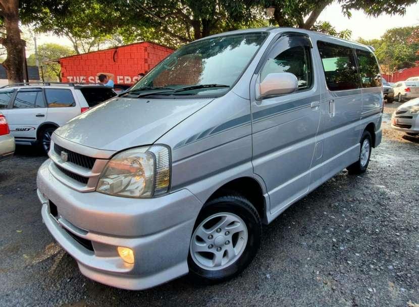 Toyota Hiace Touring 2000 - 3