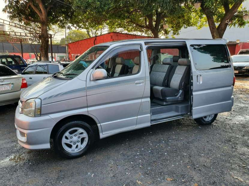 Toyota Hiace Touring 2000 - 7