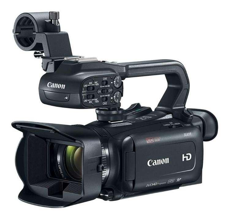 Filmadora Canon XA11 - 0