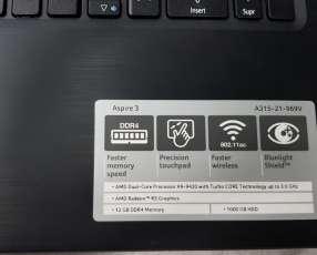 Notebook Acer Aspire 3 315-21-969V + Estuche tipo maletín