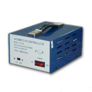 Estabilizador de tensión 1000W. Bivolt salidas 110V-220V. MIC