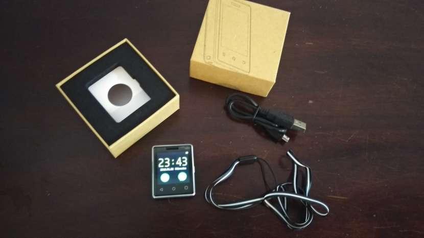 Mini Smartphone llavero - 1