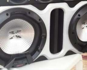 Caja con dos subwoofers Sony Xplod