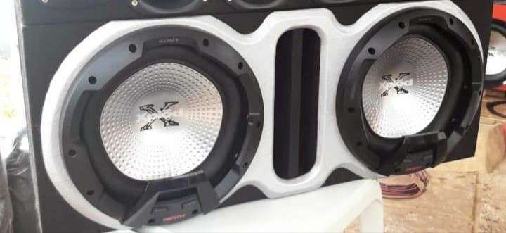 Caja con dos subwoofers Sony Xplod - 0
