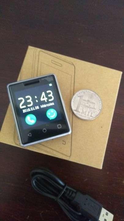 Mini Smartphone llavero - 0