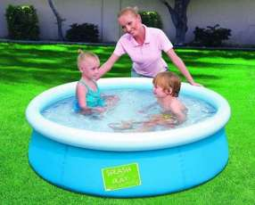 Piscina con borde inflable