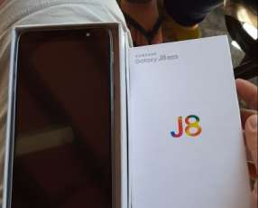 Samsung Galaxy J8. En caja cero uso, de 64 GB