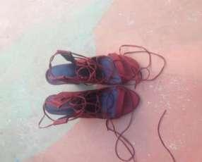 Calzado con cintas
