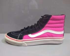 Calzado Vans caño alto femenino