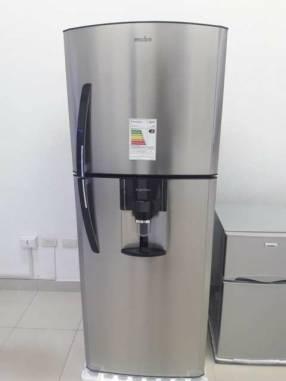 Heladera Mabe inoxidable con dispenser de 430 litros