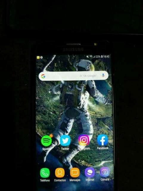 Samsung Galaxy J7 Neo - 1