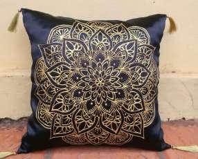 Almohadones decorativos con mandalas