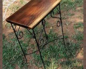 Mesa artesanal de Lapacho