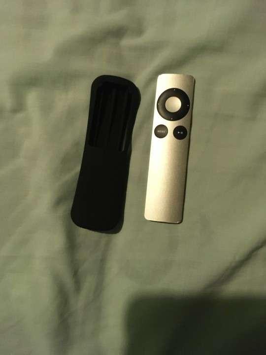 Apple TV 3ra generación con control remoto - 1