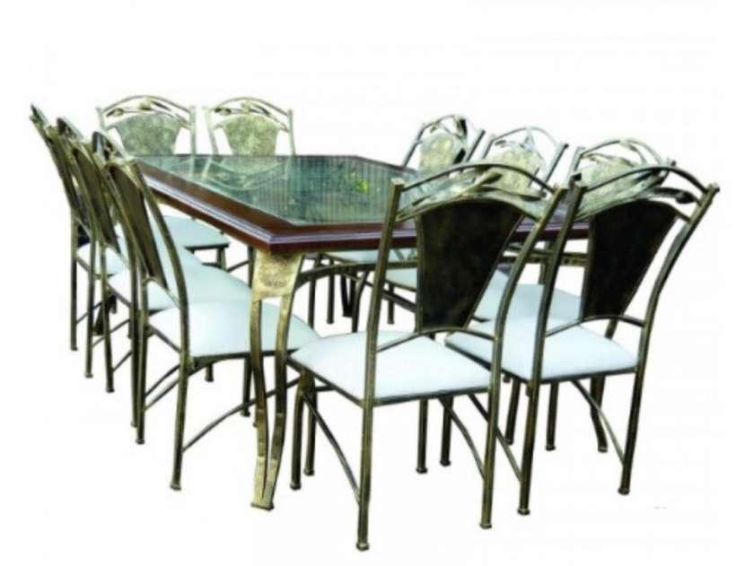 Mesa para comedor de 8 sillas con decorado de ñanduti - 0
