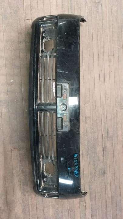 Paragolpe delantero para Nissan Wingroad negro - 2