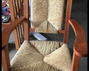 Silla mecedora mimbre y madera
