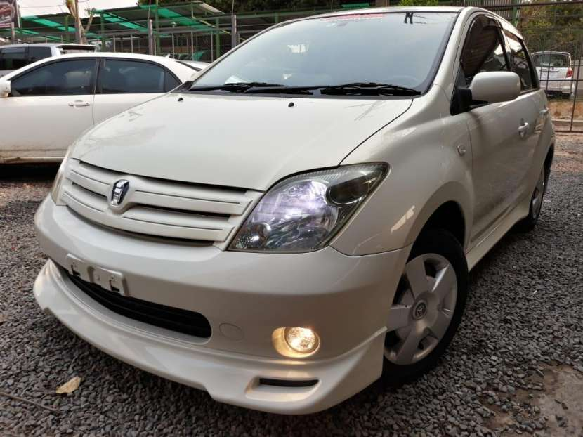 Toyota IST 2004 - 1