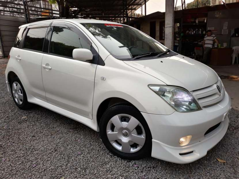 Toyota IST 2004 - 2
