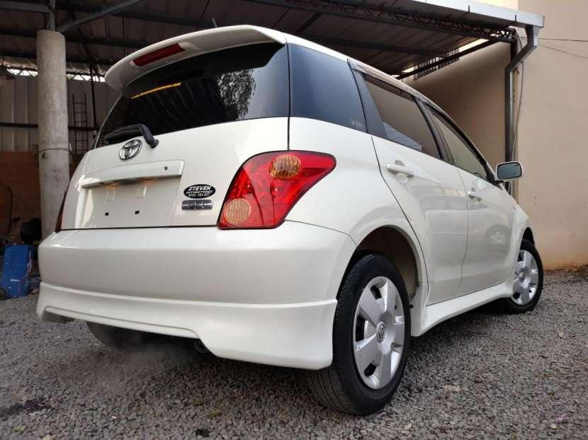 Toyota IST 2004 - 4