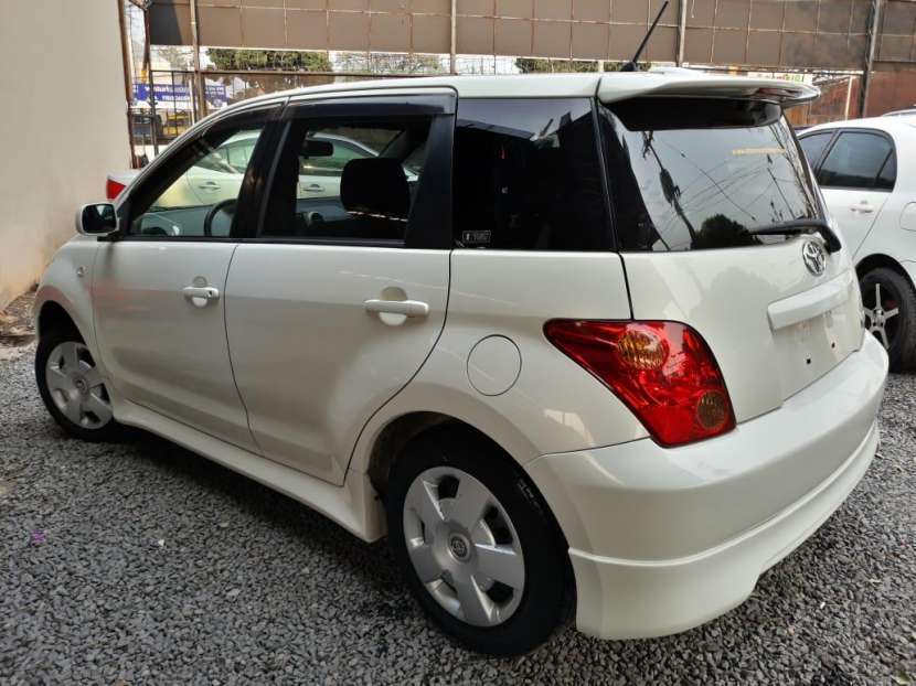 Toyota IST 2004 - 5