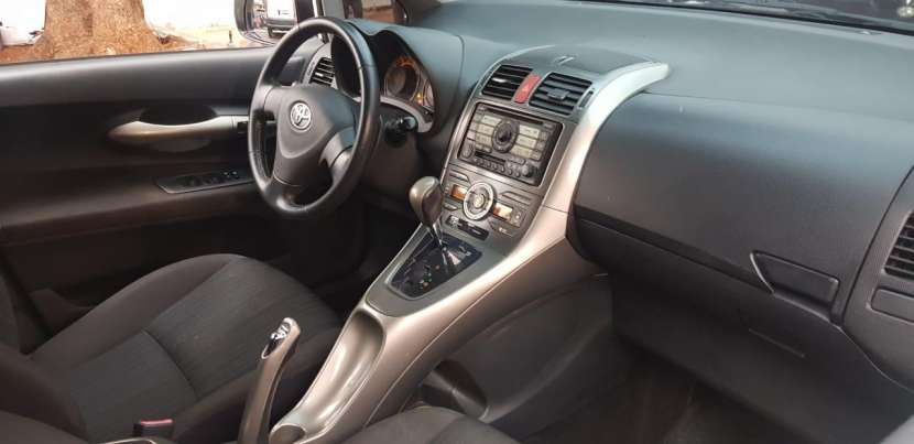 Toyota auris 2008 1.8 4x2 blanco perlado..llantas de magnesio... - 6