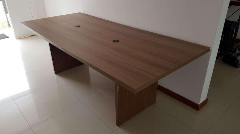 Mesa de madera maciza - 2